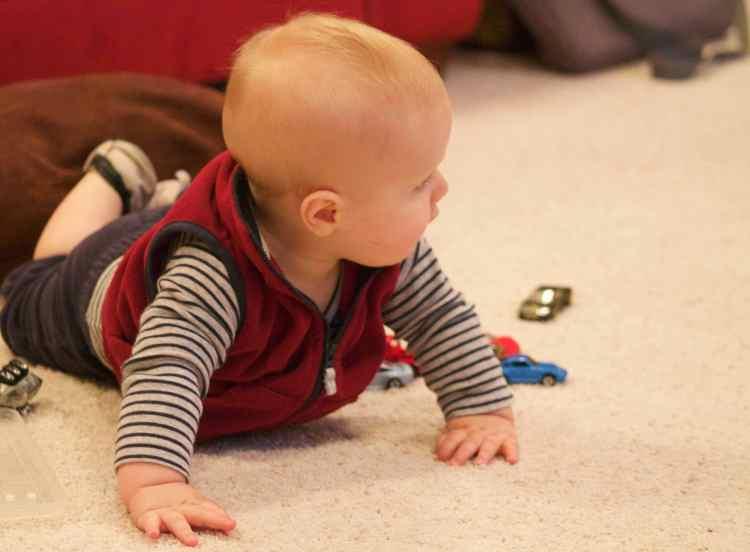 Parker Macey crawls